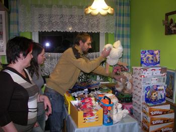 Pakowanie prezentów dla dzieci